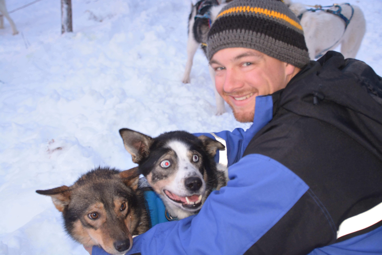 Husky tours sled dog trips, dog sledding Kiruna, winter activities lapland, sled dog tours, dog sled trips
