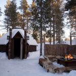 tailor made tours, Husky Tours Lapland fire place